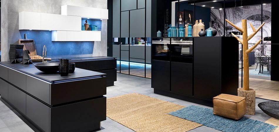 Schware Küche Nolte Soft Lack. Schwarze Küchen