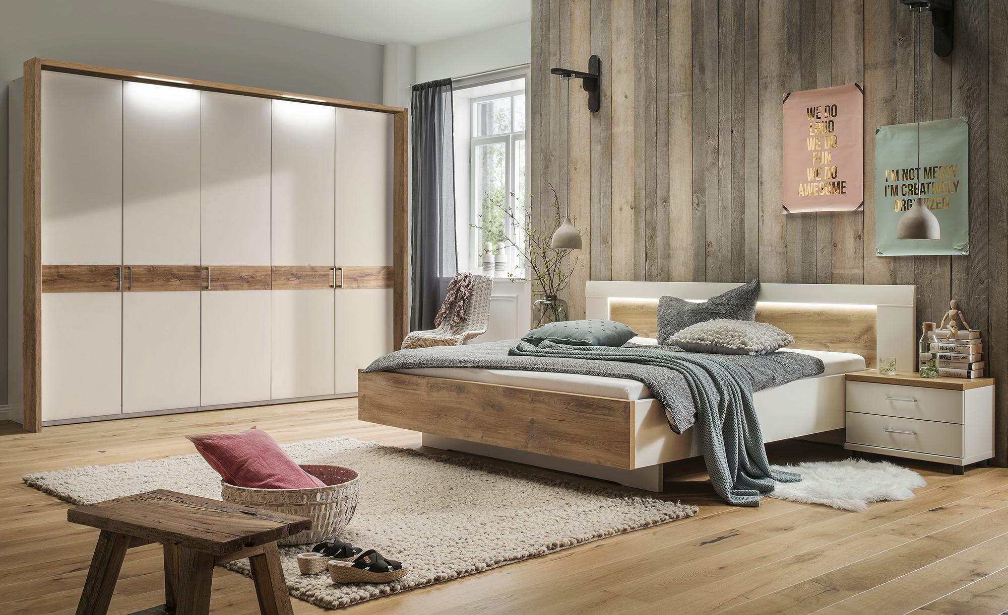 uno Komplett-Schlafzimmer 4-teilig, gefunden bei Möbel Kraft