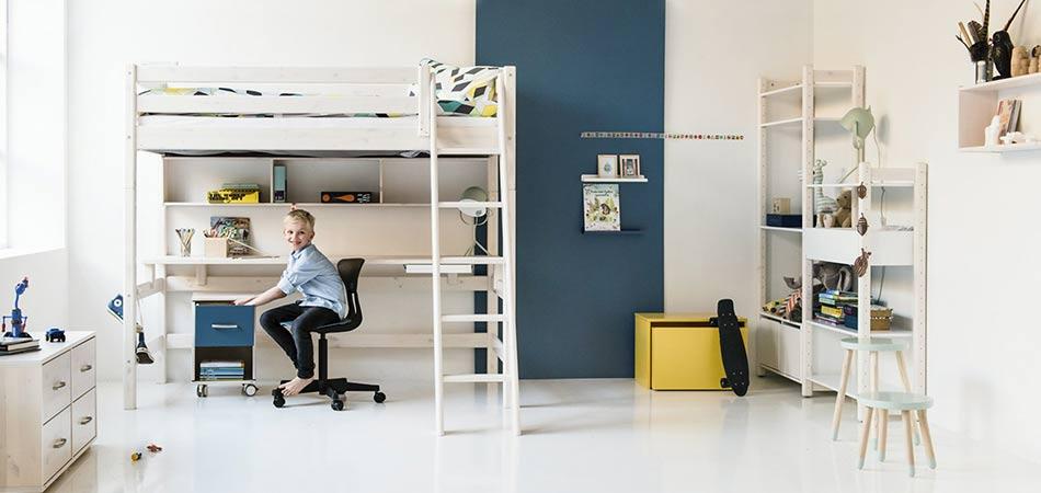 Kinderzimmer Hochbett Schreibtisch